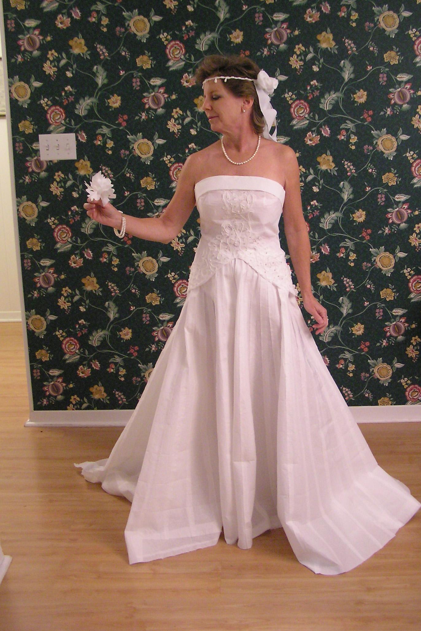 The 2008 Toilet Paper Wedding Dress Contest
